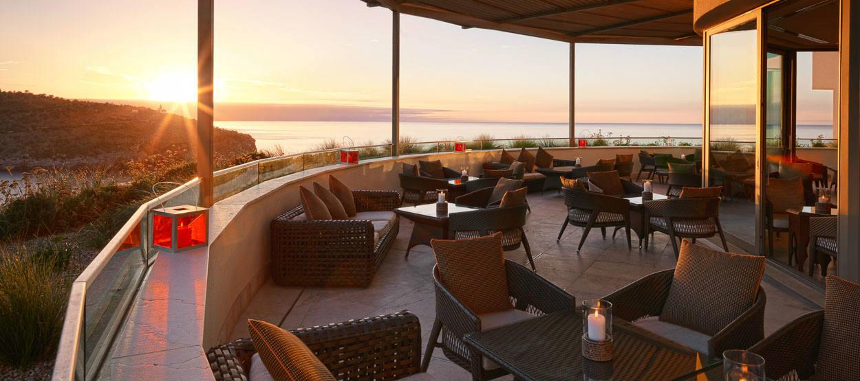 jumeirah-port-soller-hotel-and-spa-restaurant-sunset-lounge-bar-01-hero