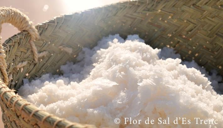 Flor-de-sal-des-Trenc-sal-LuxurySpain