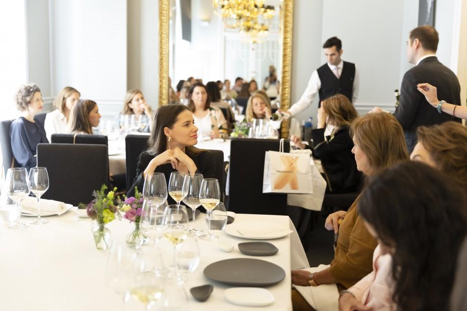 La Asociación Española del Lujo organiza un almuerzo con prensa de belleza en el Club Allard, Madrid