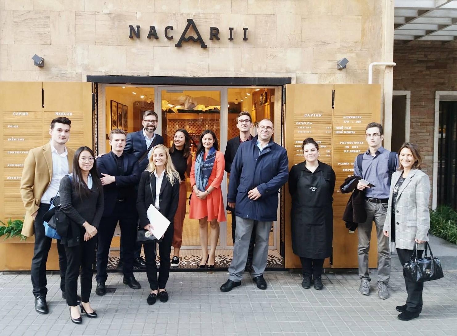 Luxury Spain ofrece una ruta y una cata a los alumnos de L'Ecole Superieure d'Hotellerie Paris