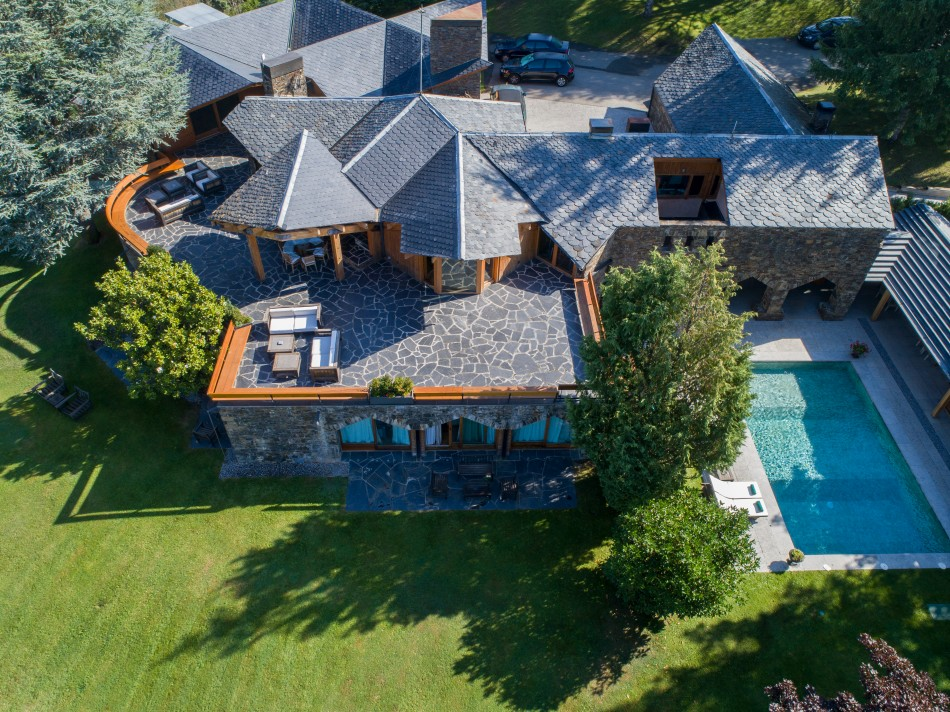 Villa Pyrennes-Sarm-LuxurySpain