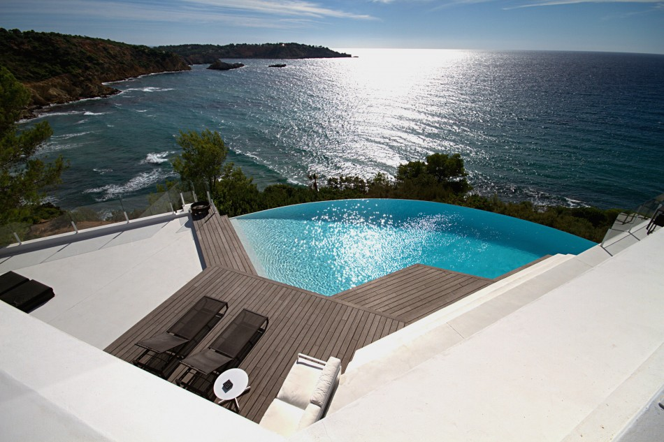 Sarm-Villa-Infinity-piscina-LuxurySpain