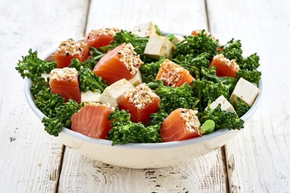 Ben fumat-salmon-jenjibre-wok-LuxurySpain